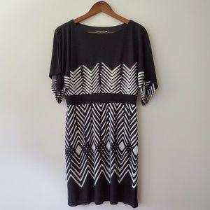 Sandra Darren shift dress slit sleeves size 8